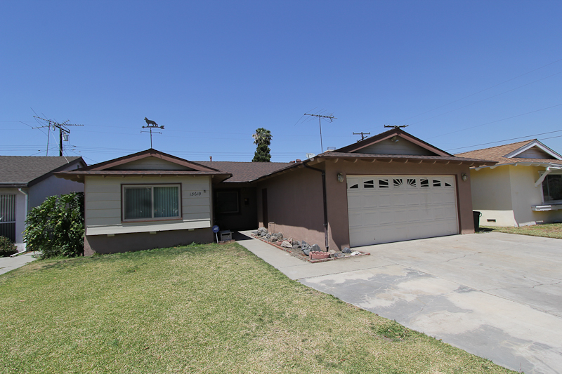 13619 Barlin, Downey, CA